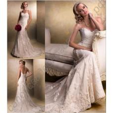 Кружевное свадебное платье силуэта русалка с открытыми плечами и роскошной вышивкой